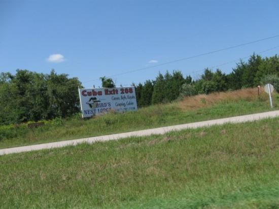 Cuba, MO: I pulled off and looked for Fidel.. alas.. i did not find him.