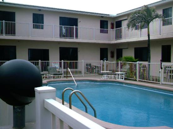 Photo of Emerald Seas Resort Deerfield Beach