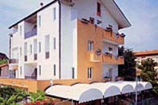 Hotel Villa Dina