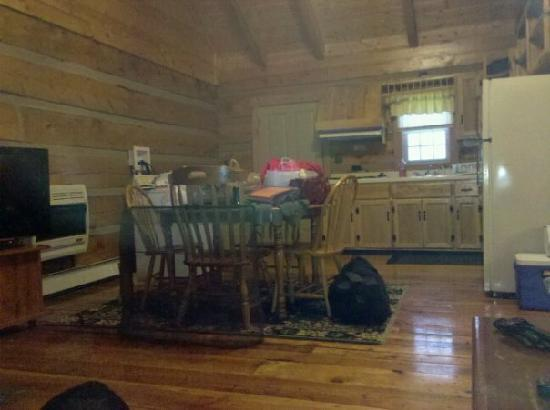 Seneca Rocks, WV: Inside the cabin