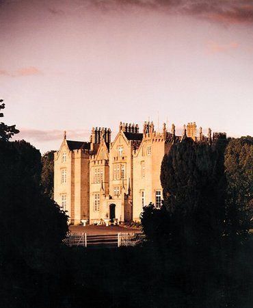 Kinnitty Castle Hotel