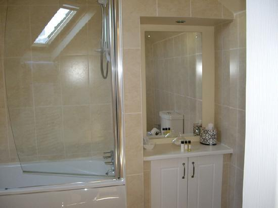 Spearfield House: Double Ensuite Bathroom