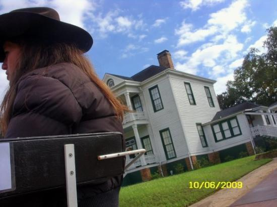 Jefferson Texas Ghost Walk http://www.tripadvisor.com/ShowUserReviews-g56043-d1402756-r123911149-Schluter_House-Jefferson_Texas.html