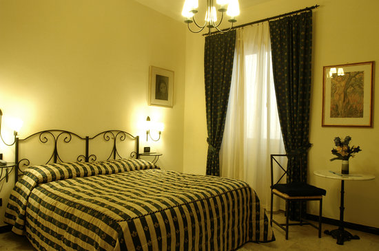 Badia Fiorentina Guesthouse: Superior Room