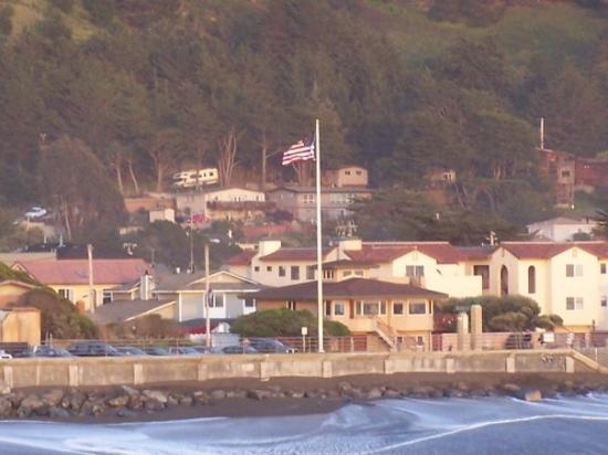 Pacifica, CA: Flagpole next to the City Council chambers, April 2007.