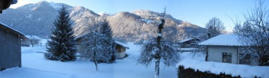 Samoens, Frankreich: View from the back garden of the chalet. Samoeons, France.