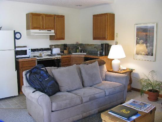 The Woodlands on Fall River: One bedroom unit