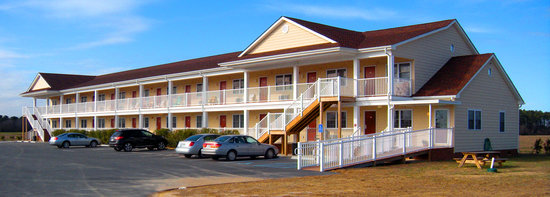 Shore Stay Suites: a view of the front