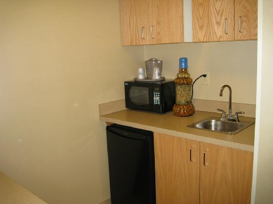 Hampton Inn Rutland/Killington: Kitchen area
