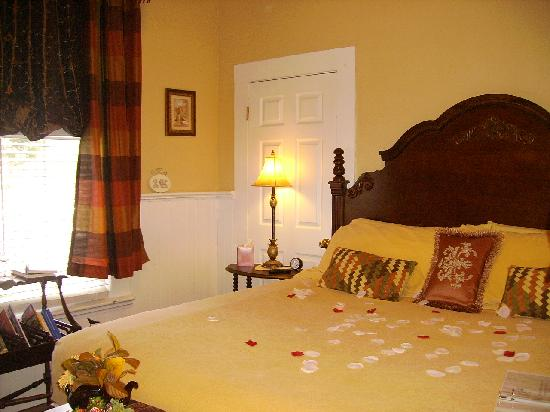 Sweet Gum Bottom Bed & Breakfast: Our suite