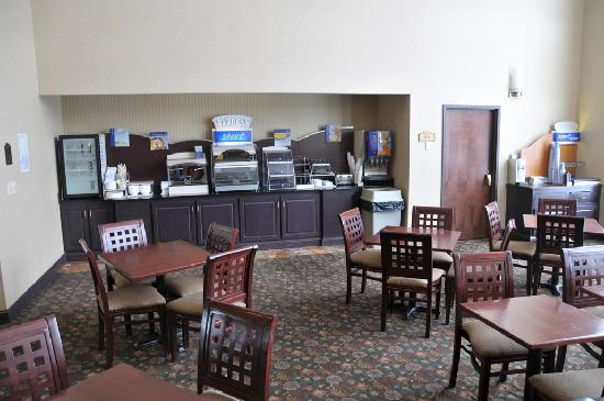 Holiday Inn Express Cooperstown: Breakfast Area