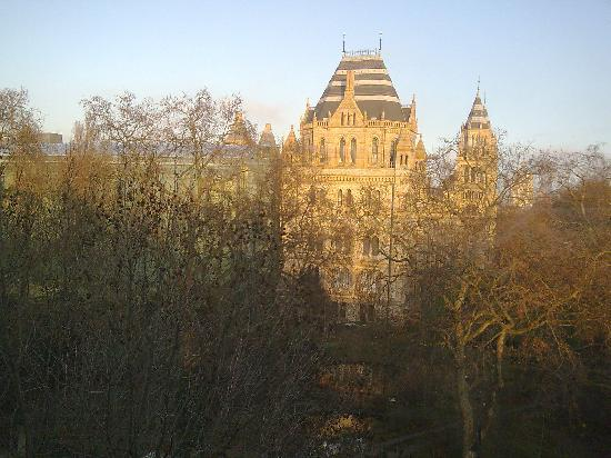 Baden-Powell House Hostel: The Natural History Museum View from my window