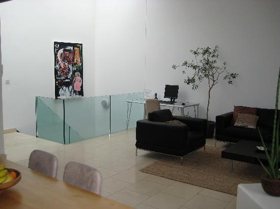 The Luxury Inn: Communal lounge