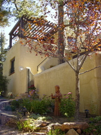 Adobe Inn at Cascade