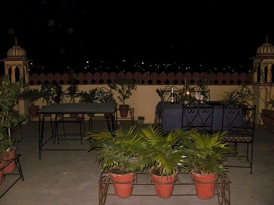Hotel Baba Haveli: baba haveli roof top