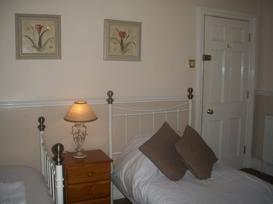 Photo of Ashgrove Guest House Bath