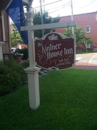 Kintner House Inn: Our Bed n Breakfast in Corydon.  We stayed in the Drummer Room.