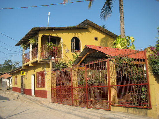 Casa Dona Elena B & B