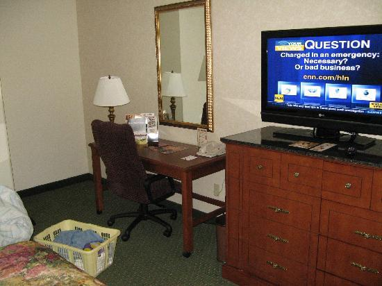 Drury Inn & Suites Middletown: Guest Room