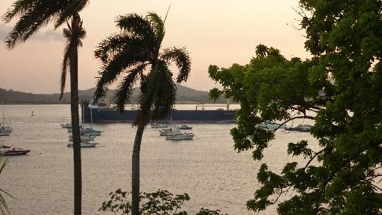 Country Inn & Suites By Carlson, Panama Canal, Panama: sunset from our room