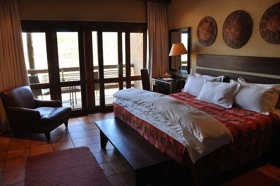 Kapama River Lodge:                   our wonderful room