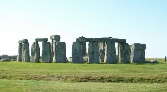 Taunton, UK : stonehenge, not in tauton but couldn't find what city it's close to