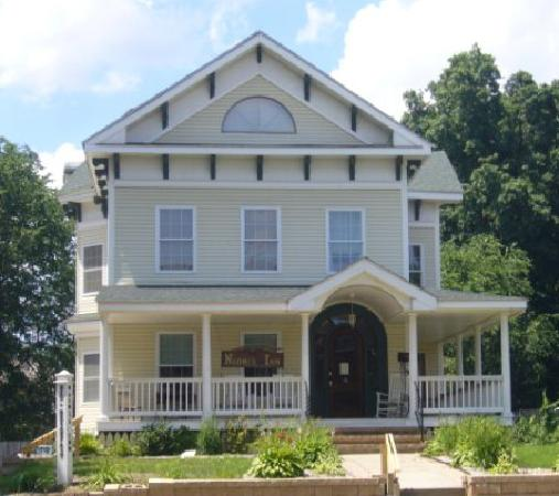 Naomi's Inn B&B: A Home Away From Home