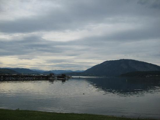Comfort Inn & Suites: Shuswap Lake - glorious spot