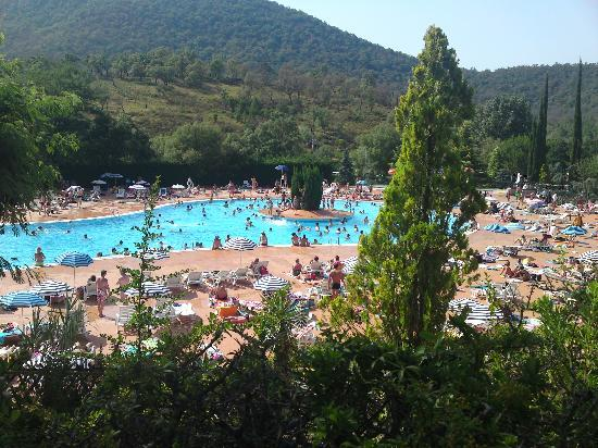Camp-Hotel Pachacaid: The pool - you have to pay at peak times and there is a small charge for sun loungers