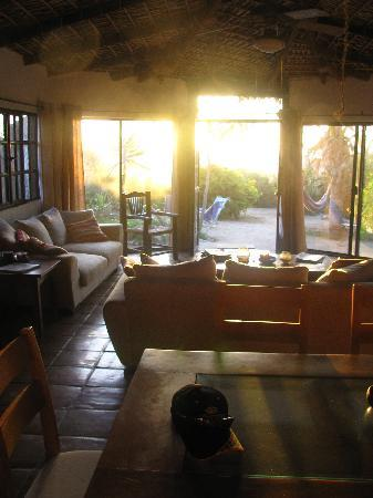 Gypsy's by the Sea - Beach Guest House: sunset from the Gypsy livingroom