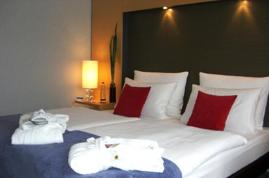 http://media-cdn.tripadvisor.com/media/photo-s/01/6f/06/a6/welcome-hotel-essen-zimmeransi.jpg