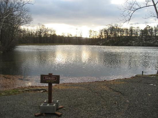 Cacapon Resort State Park : Danger - VERY thin ice on the little lake