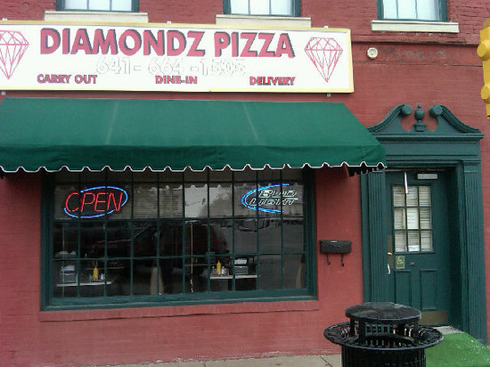 Bloomfield, IA: Diamondz Pizza