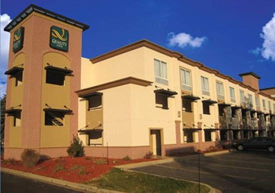 Quality Inn Brookfield: Quality Inn - Brookfield Exterior