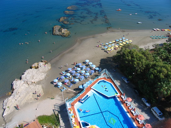Ilianthos Village: Swimming Pool &amp; Beach Aerial Photo
