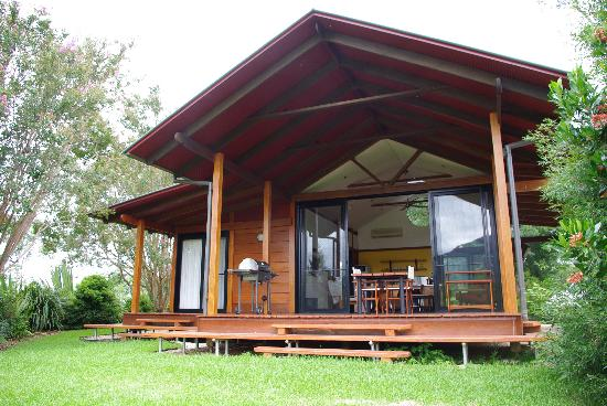 Promised Land Cottages: spacious deck