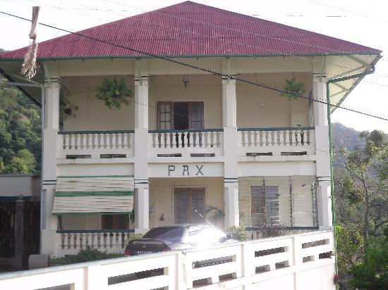 Pax guesthouse picture of pax guest house tunapuna for Trini homes