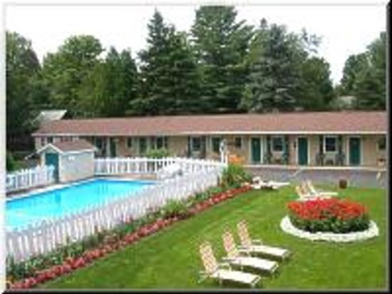 Maple Leaf Inn Lake Placid Ny Motel Reviews Tripadvisor