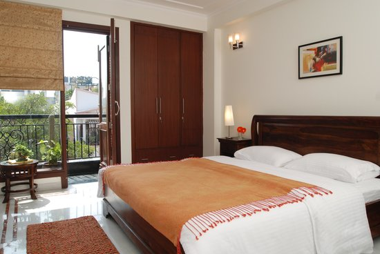 Tree Of Life: Double bed guest room