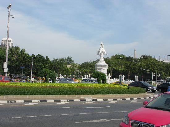 Royal Hotel Bangkok: View from the front of hotel