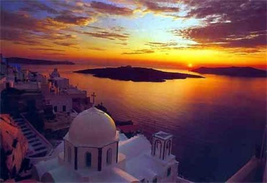 Santorini.........the sunset seen from Thira City...... - Picture of Fira, Santorini