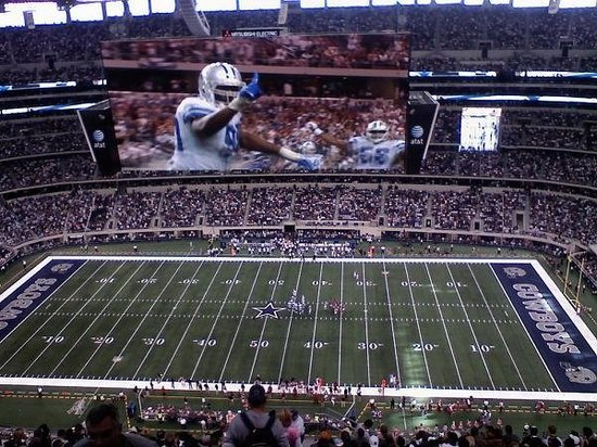 Arlington, TX: Gigantic Stadium!!!