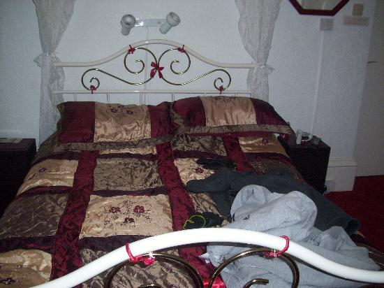 The Hornby Villa: Our four poster bed &#39;The french room&#39;