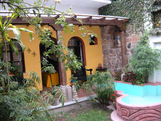 Hotel Casa Antigua: Courtyard