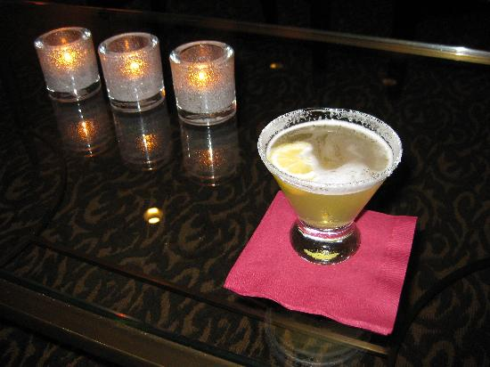 The Nines, a Luxury Collection Hotel, Portland: Lemon Drop at the Club Lounge