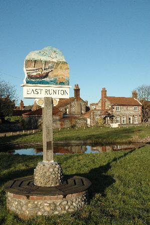 Incleborough House Luxury Self Catering: East Runton Village Green