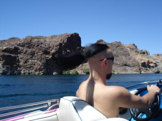 Chillin on the beach drinking a beer on lake mohave for Lake mohave fishing report