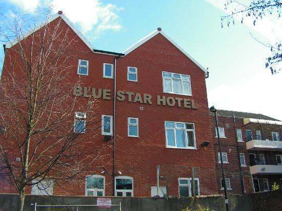 Blue Star Hotel: the hotel