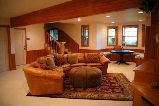 Glacier Mountain Lodge: Sunburst Family Room