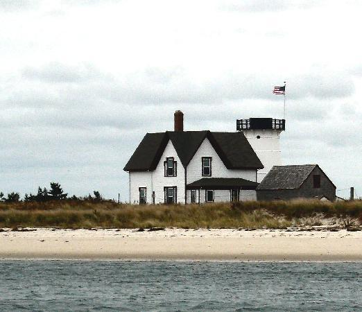 Chatham, MA : Stage Harbor Light